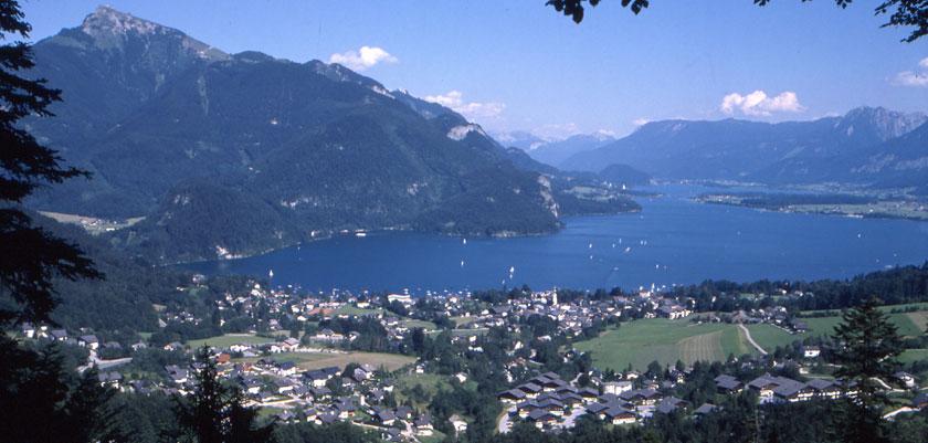 Austria_Salzkammergut_St-Gilgen_Town-view.jpg